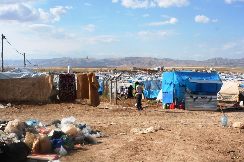 Overzicht over het provisorisch opgezette tentenkamp in Domeez
